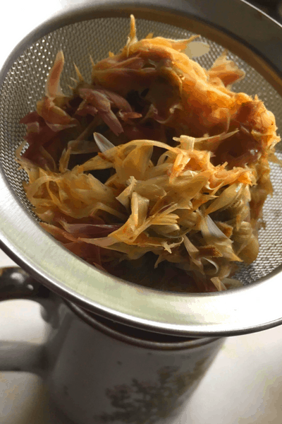 Calendula tea is the simplest way to get all the amazing benefits from calendula flowers. Learn how to make calendula tea and why you should!