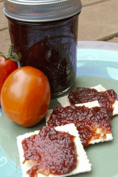 tomato jam on crackers